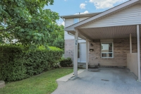 36-720 Deveron Cres